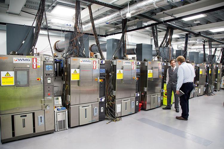 در پشت صحنه انقلاب باتریسازی بریتانیا چه میگذرد؟