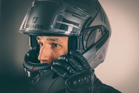 چه نکاتى را در خرید کلاه ایمنى موتورسیکلت باید مدنظر داشت؟