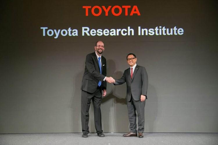 تویوتا از هوش مصنوعی برای پیشبینی رفتار انسان هنگام رانندگى استفاده میکند/ شهر هوشمند تویوتا