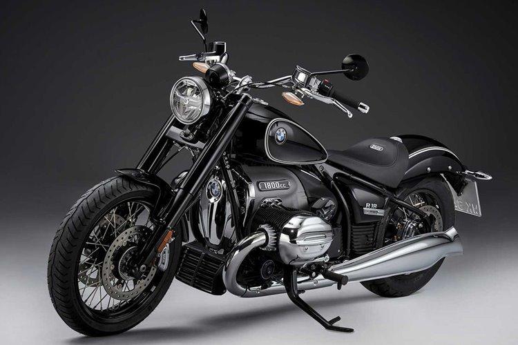 رونمایى از موتورسیکلت بی ام و R 18