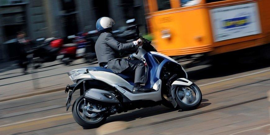 ایدرو مامور اجراى حمایت از تولید موتورسیکلت های برقی/ سه هزار میلیارد سرمایه برای تولید موتورسیکلت