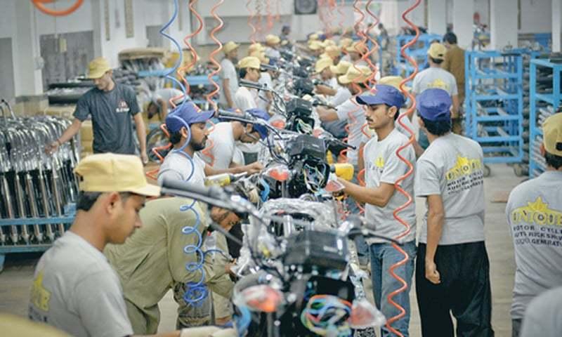 تصمیم به تولید نیم میلیون موتورسیکلت دوچرخ و سهچرخ برقی در پاکستان