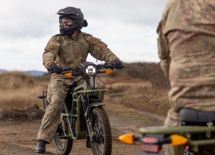 ارتش نیوزیلند در حال آزمایش موتورسیکلت های برقی است