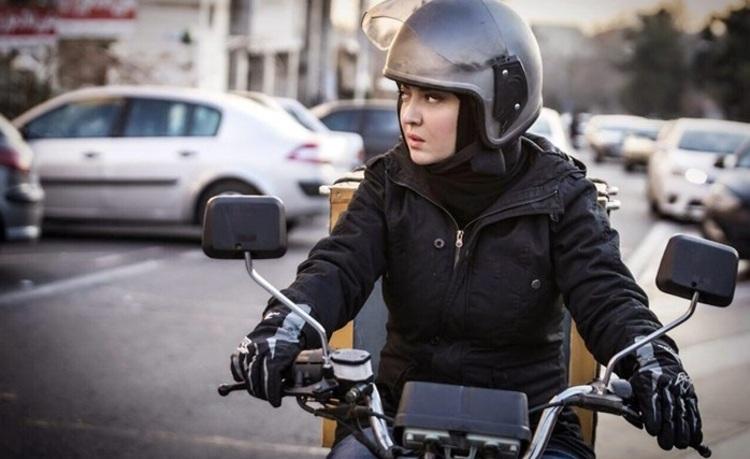 آیا بانوان می توانند موتورسیکلت برقی سوار شوند؟