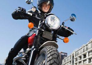 با حمایت آیتالله علمالهدی مجوز فعالیت بانوان را در موتورسواری گرفتیم