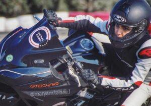 اعطای گواهینامه آموزش موتورسواری سرعت بانوان