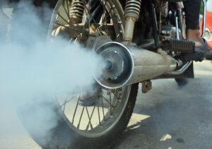 ورود قوه قضاییه به مساله آلودگی ناشی از موتورسیکلتهای فرسوده/ فقط ۳میلیون نفر گواهینامه موتورسیکلت دارند
