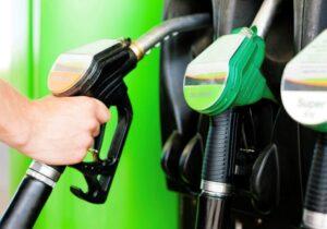 تعداد موتورسیکلتهایی که کارت سوخت دارند اعلام شد/ میزان تولید و مصرف بنزین در کشور چقدر است؟