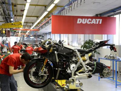 عقبنشینی دوکاتی برای تولید موتورسیکلت برقی/ دوکاتی به دنبال تولید موتورسیکلت با سوخت مصنوعی